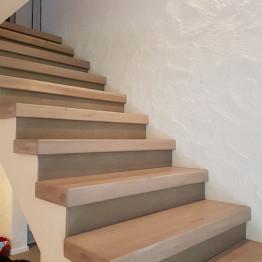Referenz-Holzstufen-auf-Beton-2-1