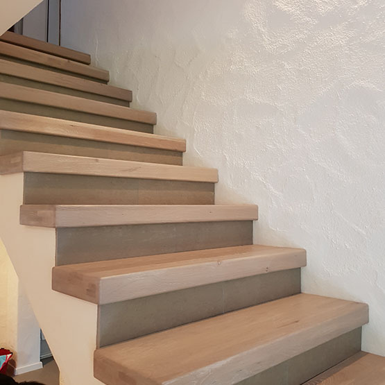 Holzstufen Auf Beton : holzstufen auf beton treppen vom profi schreinerei theis ~ Michelbontemps.com Haus und Dekorationen